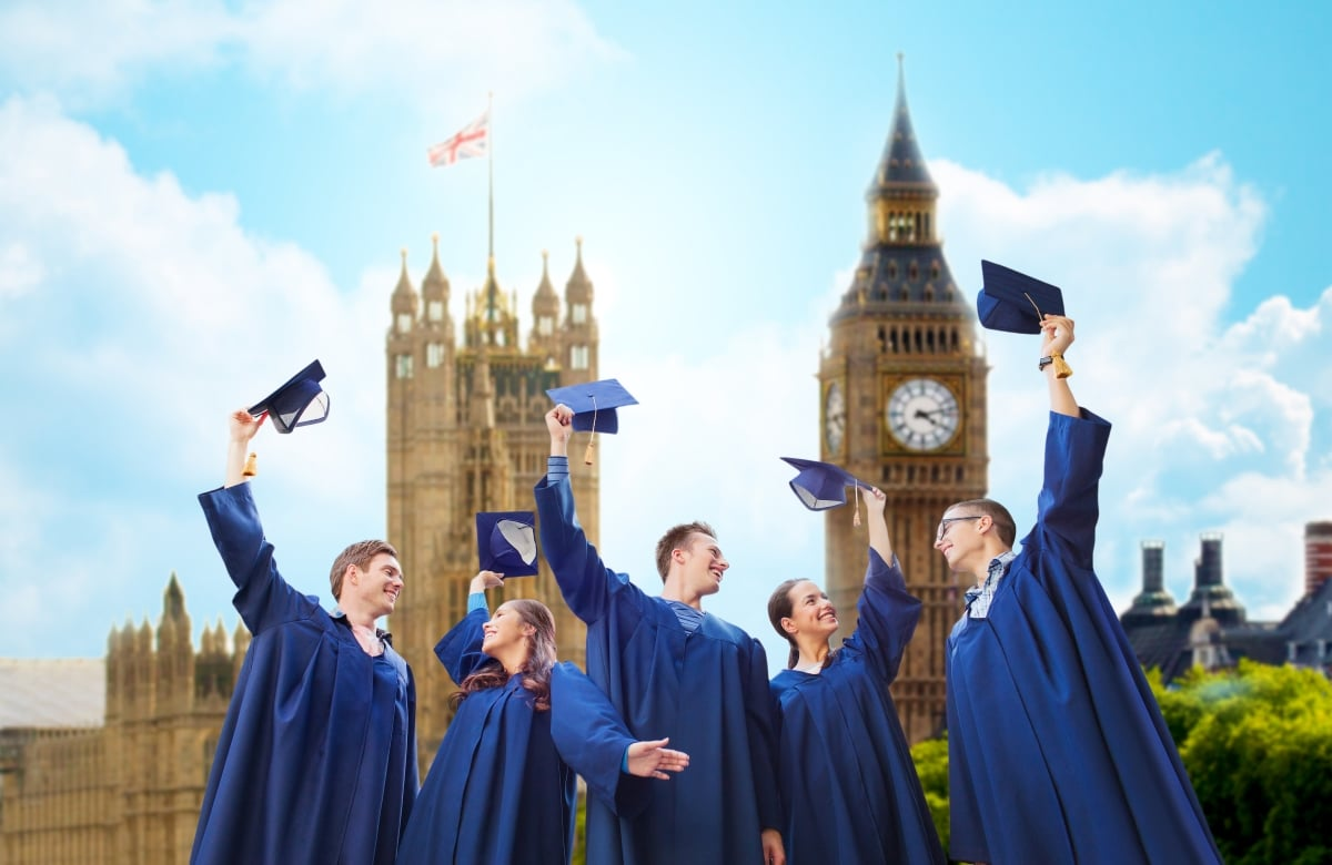 Why Choose the UK for a Premium Educational Experience?